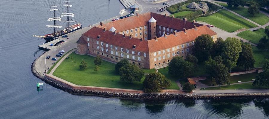 Historisk vingesus og Sønderjysk kaffebord